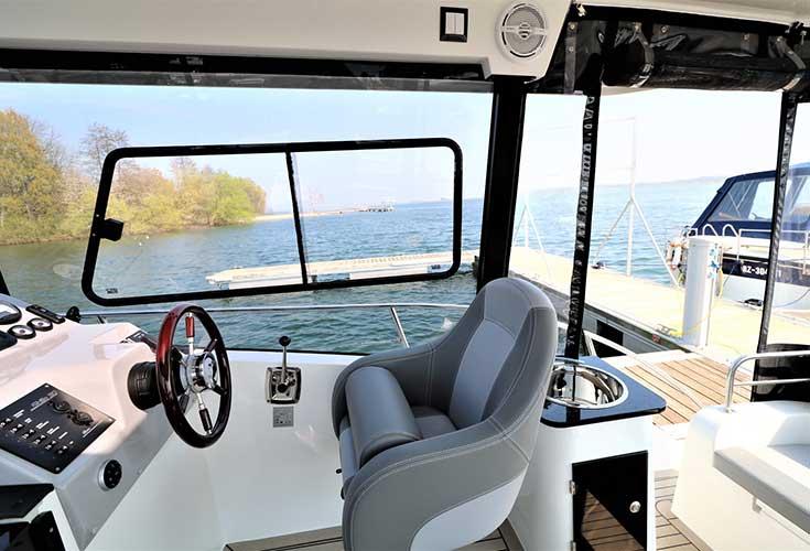 https://relax-yachtcharter.de/wp-content/uploads/2019/07/stillo30-14.jpg
