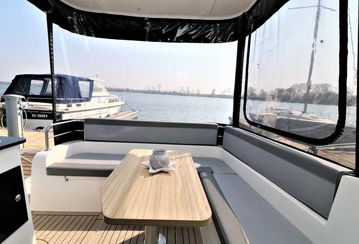 https://relax-yachtcharter.de/wp-content/uploads/2019/07/stillo30-15.jpg