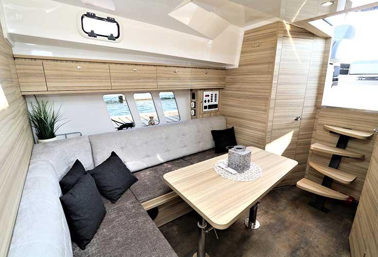 https://relax-yachtcharter.de/wp-content/uploads/2019/07/stillo30-9.jpg
