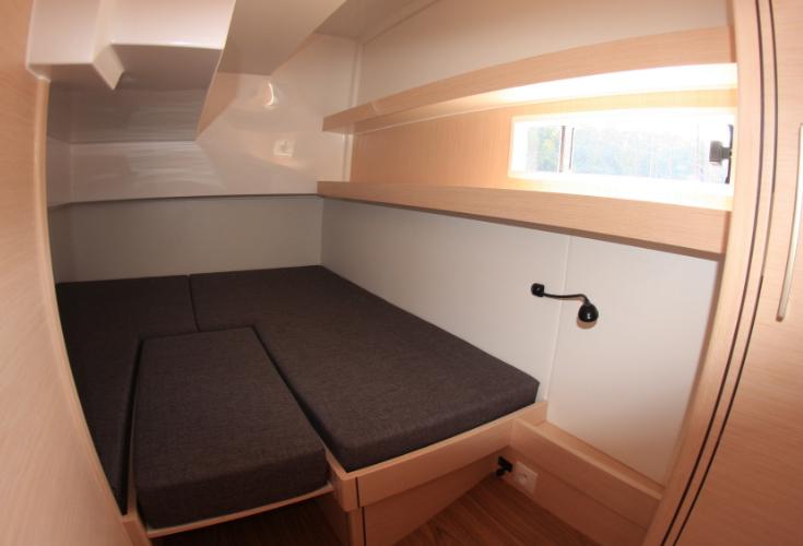 https://relax-yachtcharter.de/wp-content/uploads/2019/12/left-cabin-2.jpg